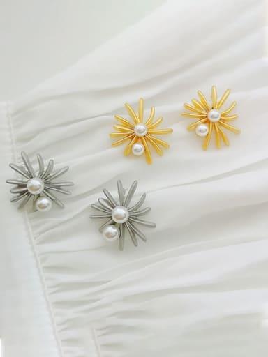 Copper Imitation Pearl Flower Dainty Stud Earring