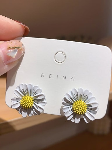 white Iron Enamel Flower Trend Stud Earring