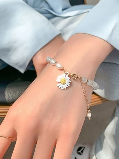 White Opal. Natural pearl Alloy Imitation Pearl Flower Cute Adjustable Bracelet