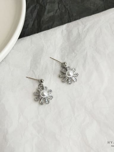 White K Copper Cubic Zirconia Flower Dainty Stud Earring
