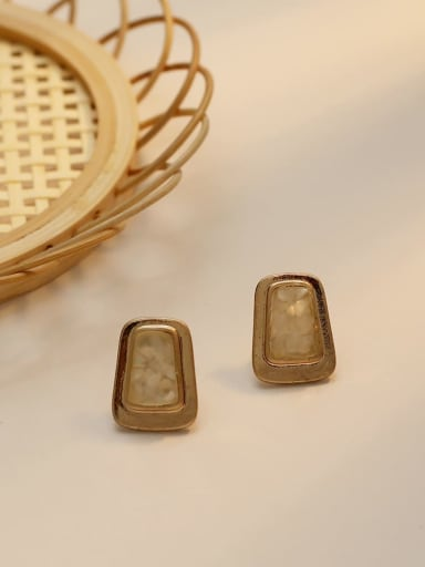 cream-colored Copper Shell Geometric Vintage Stud Earring