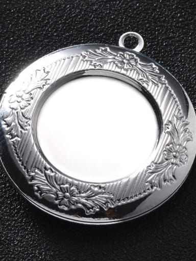 silvery Copper Round Charm Height :  32.5mm , Width:35.7 mm