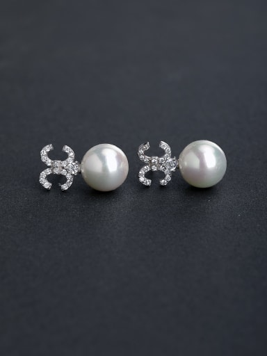 Bling bling Micro inlay Zircon Letter CC   925 silver Imitation pearls Stud earrings