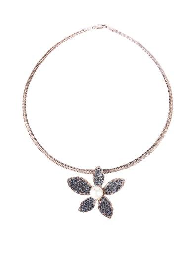 Full Rhinestone Flower Shape Luxury Collar