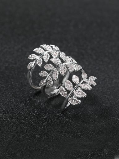 luxurious Micro-inlay Full Rhinestone Bling bling leaf Cocktail ring