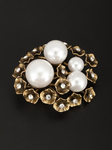 New design Gold Plated Flower Pearl Lapel Pins & Brooche in White color