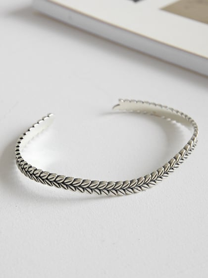 Sterling silver vintage leaf embossed open bracelet