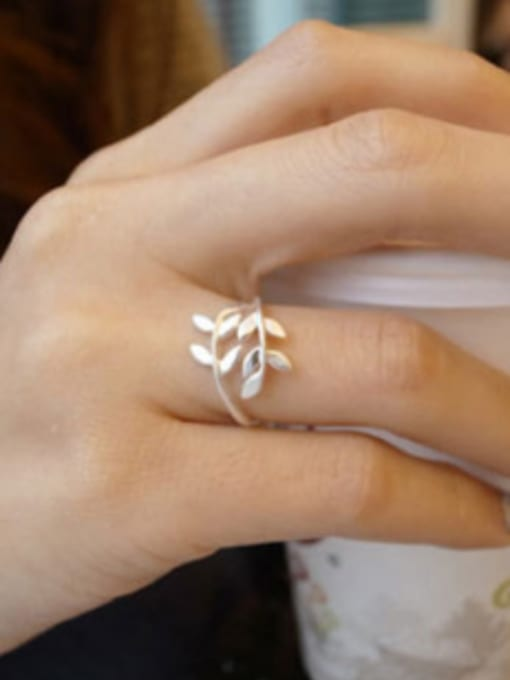 Arya Simple Little Leaves Silver Opening Ring
