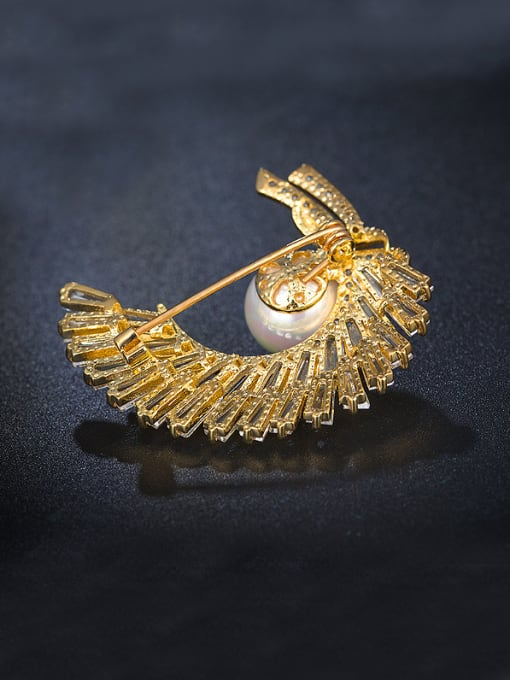 Armadani Zircon Pearl Corsage