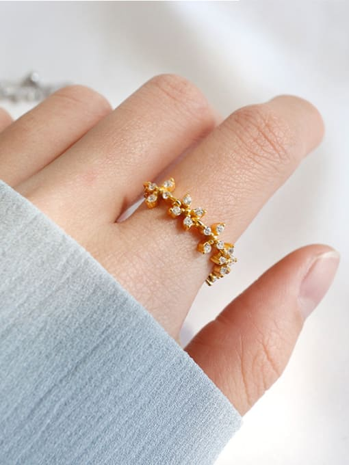 Arya Personalized Tiny Cubic Zircon Flowery Silver Chain Ring