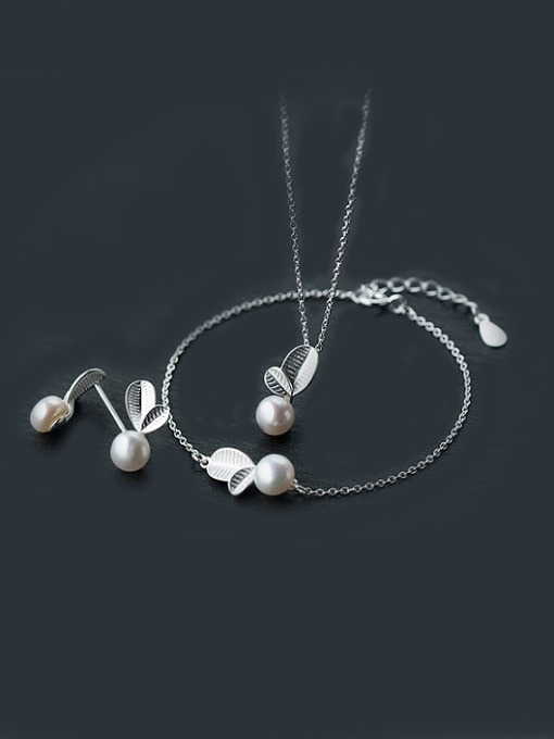 Rosh S925 Silver leaves with Natural Freshwater Pearls Set