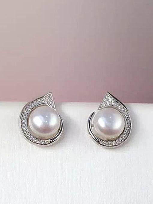 Evita Peroni Freshwater Pearl Geometrical stud Earring