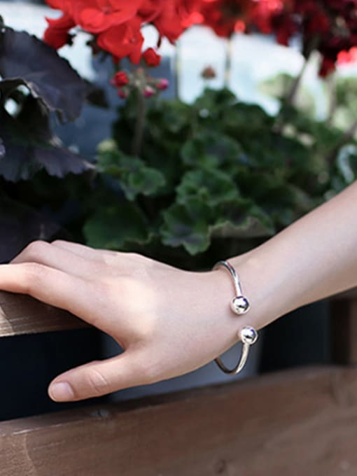 Arya Simple geometric Pure Silver Ball Bracelet