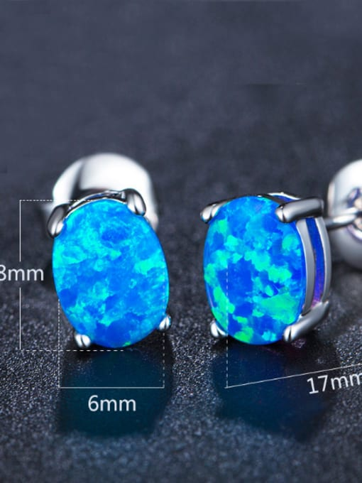 Chris Popular Oval Shaped Fashion Stud Earrings