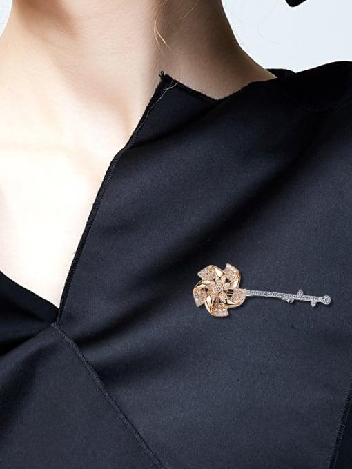 Maja Simple Little Windmill Cubic Zircon Brooch