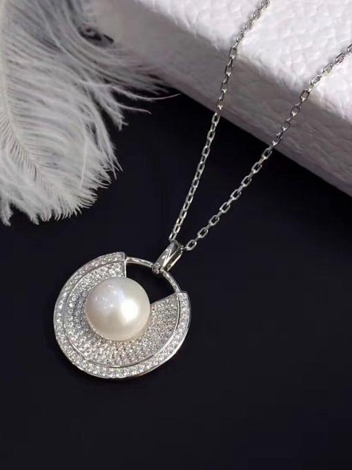 Evita Peroni 2018 Freshwater Pearl Zircon Round Necklace