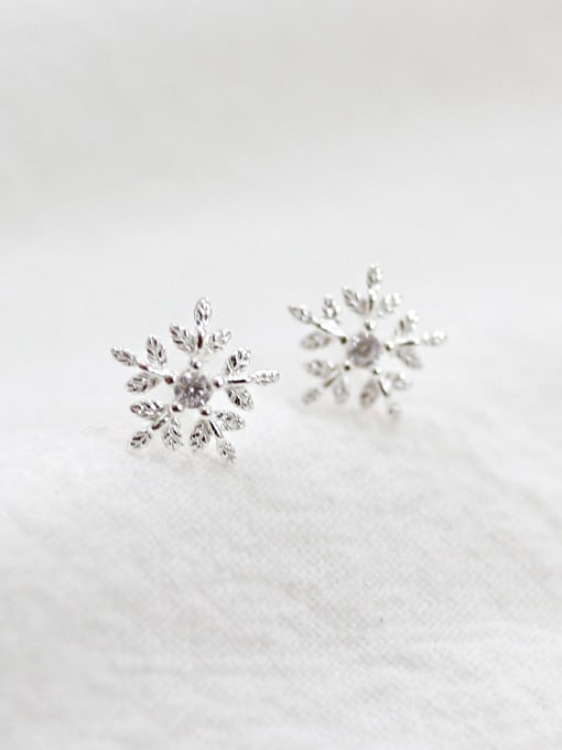 Arya Fashion Little Snowflake Silver Stud Earrings
