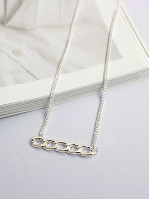 Arya Simple Short Chain Pendant Silver Necklace