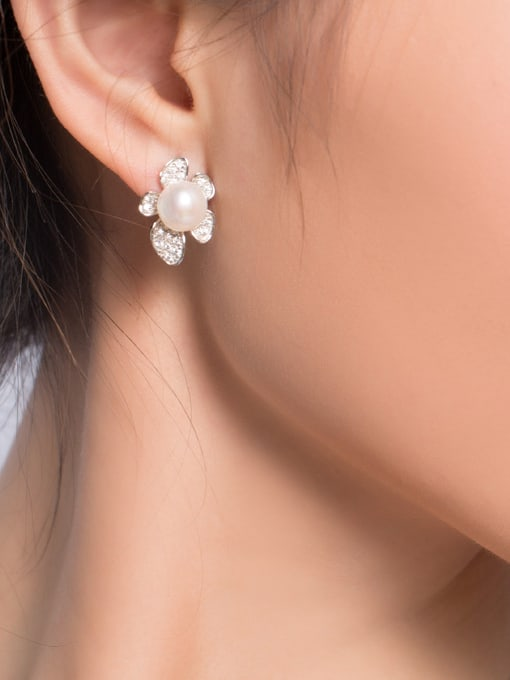 Evita Peroni Fashion Freshwater Pearl Flowery stud Earring