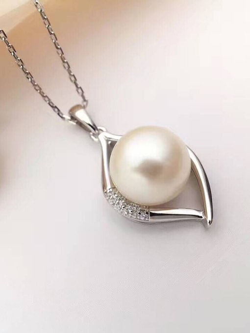 Evita Peroni Fashion Freshwater Pearl Water Drop shaped Necklace