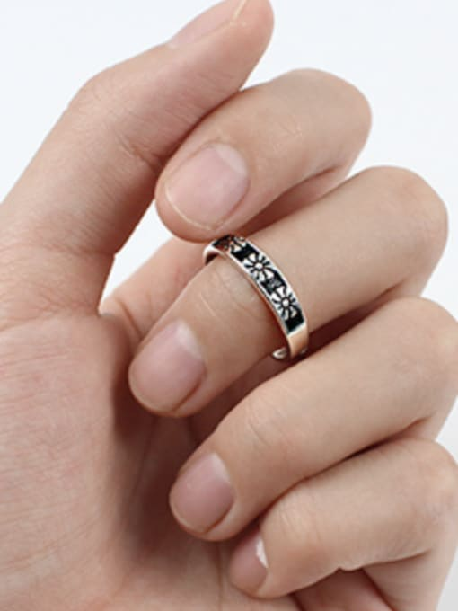 Arya Fashion style Little Flowers Black Silver Opening Ring