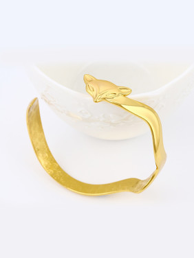 Copper Alloy 24K Gold Plated Trendy style Fox Wave-shaped Opening Bangle