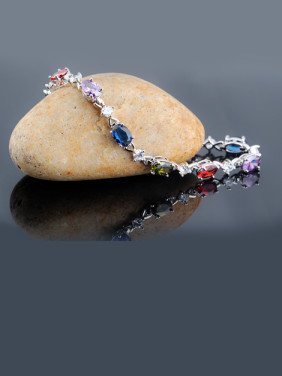 Colorful Zircon Ladies And European And The United States Platinum Plated Anti Allergy Bracelet