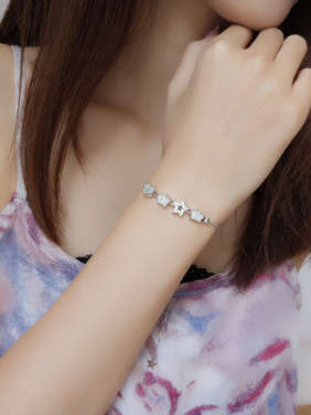 Women Elegant Star Shaped Bracelet