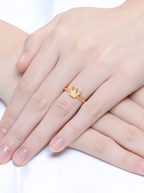 Women Gold Plated Crown Shaped Ring