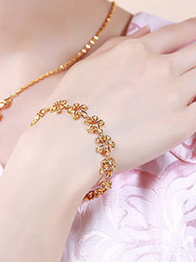 Copper Alloy 24K Gold Plated Retro style Flower Bracelet