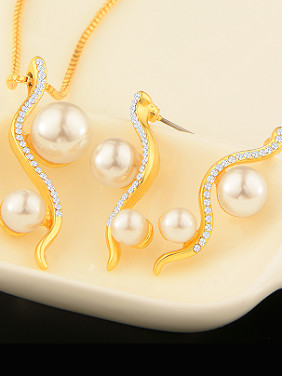 18K Artificial Pearls Rhinestones Two Pieces Jewelry Set