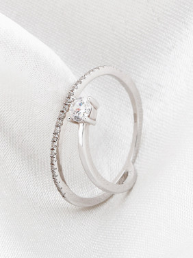 Simple Cubic Zirconias Women Ring
