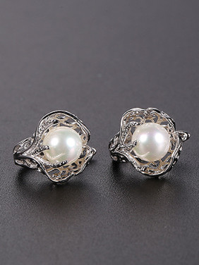 Copper Alloy White Gold Plated Fashion Hollow Pearl Earrings