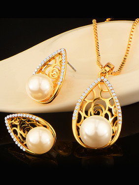 Fashion Artificial Pearls Colorfast Two Pieces Jewelry Set