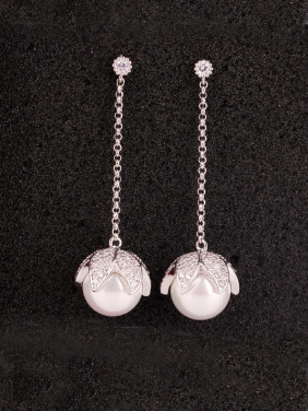 S925 Silver Zircon Pearl Temperament and Simple Anti allergy Earrings,