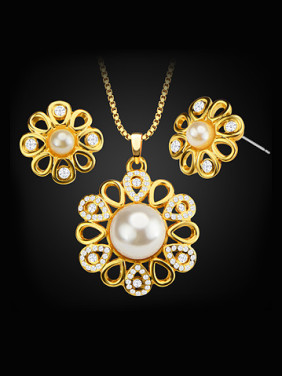 18K Artificial Pearl Flower shaped Two Pieces Jewelry Set