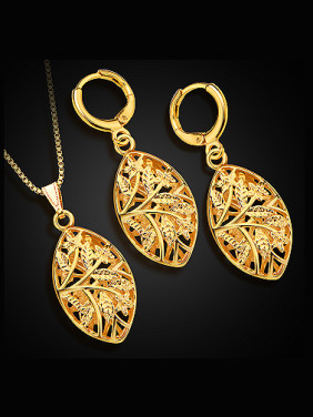 18K Oval Hollow Colorfast Two Pieces Jewelry Set