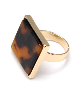 A Gold Plated Zinc Alloy Stylish Tigereye Band Ring Of Square