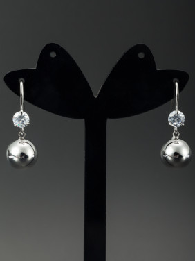 White color Platinum Plated Round Diamond Drop Earring