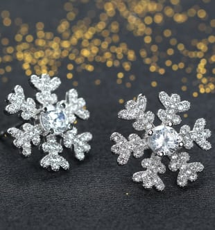 Snow-shaped jewelry collection
