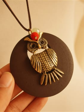 Wooden Round Shaped Owl Necklace