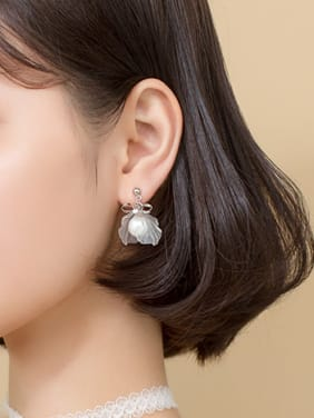 925 Sterling Silver With Platinum Plated Simplistic Leaf Drop Earrings