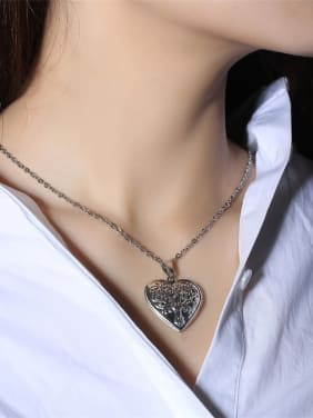 Stainless Steel With Platinum Plated Simplistic Heart Necklaces