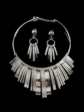 Exaggerated Tassels Two Pieces Jewelry Set