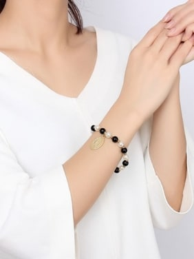 Elegant Gold Plated Tag Artificial Pearl Bracelet