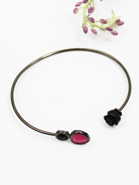 Open Design Black Rose Shaped Adjustable Bangle