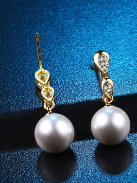 Fashion Shell Pearls Zircons Drop Earrings