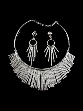 2018 Exaggerated Tassels Two Pieces Jewelry Set