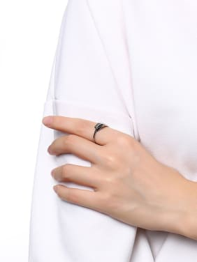 Unisex Fashionable Snake Shaped Stainless Steel Ring