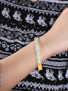 Fashionable Gold Plated Geometric Rhinestone Bangle